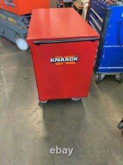 Knaack Model 63